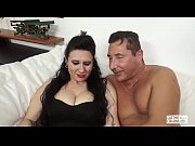 CASTING ALLA ITALIANA - Mature Italian lady gets her pussy fucked in audition