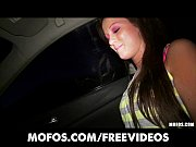 horny amateur kelsey jones gives her man road head