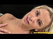 Femme se cache pour mater homme nue a la plage table de massage femme enceinte