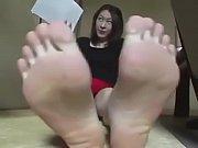 reika'_s feet in motion