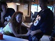 мужик в фургоне трахает девчонку в попу порно видео