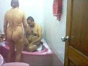 desi aunty bath tub