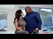 Lisa Ann craving for Prince&#039_s Big Black Cock