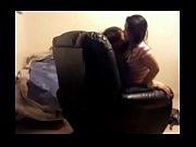sexo com a namorada no sof&aacute_