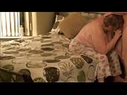 молодая девчонка испытывает сквирт видео