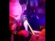 видео как девушка одевает нейлон чулки корсет бюстье