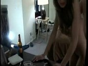 порно домашнее муж смотрит как ебут жену