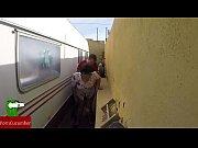 Castigada en el rinc&oacute_n de follar. En la calle en p&uacute_blico con voyeur spycamGUI023