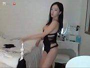 horny mia doing camshow at slutcam.us.