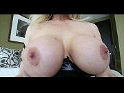 Частное порно домохозяйка скачет на члене
