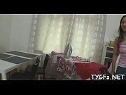 скачать-порно видео брат ебёт сестру пока она спит
