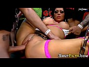 Maman salope avec fils gros seins suce