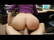 Latina babe tries to sell her BF&#039_s lizard - XXX Pawn