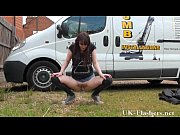 daring outdoor masturbation of flashing english amateur babe.