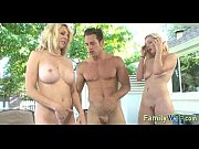 Mom and daughter threesome 1039