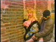 sexo en un callejon