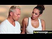 Massage de lesbiennes femme branle son mari