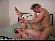 жена заставляет мужа сосать и лизать