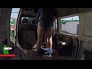 haciendo el guarro en una furgoneta.