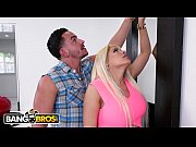 BANGBROS - Wifey Luna Star Fucks Handyman Behind Husband&#039_s Back