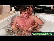 порно видео две девушки у бассейна