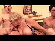 блондинка и азиат порно смотреть