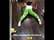 Gracyanne barbosa toda aberta no pole dancing