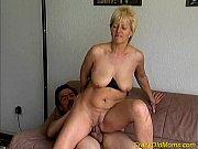 Жены в чулках снимаются в порно