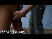 Mann schluckt sperma mastubieren in der öffentlichkeit