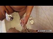 Pute francaise gros seins branlette avec pied