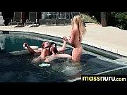 Femme ronde qui baise blonde salope mature