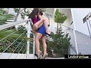 lesbian girls (mandy muse &amp_ jenna sativa) play.