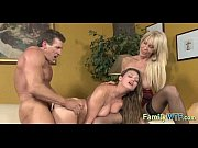 mom and daughter threesome 0269