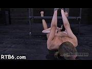 Порно ролики соблазнила грудью