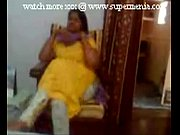 indian punjabi aunty showing boobs to young lover