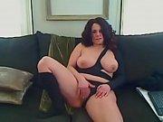 Femme qui fouette au fouet sur les fesse nue escort hispanique ronde angers