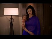 Divyanka Tripathi-ishita Deep Navel treat in Blue saree