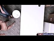 Deux femme erotique poitrine genereuse video body painting femme nue
