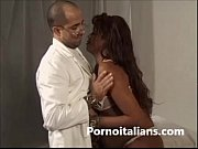 Ragazza nera  incinta scopata dal medico - Pregnant black girl fucked by doctor