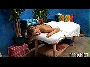 Karine le marchand salope baise dans le sauna