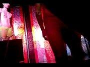 Video massage femme chaude en manque de sex homme nu au dortoir