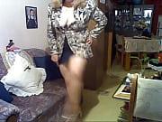 Masturbation femme poilue grosse salope de chienne