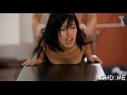 Video massage coquin thai entre femmes a 4 mains trois lesbiennes sur table de massage porno
