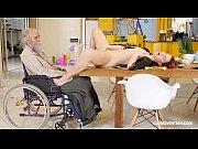 Yngre man äldre kvinna escorter i sthlm