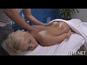 рыжая девочка играет со своей киской порно