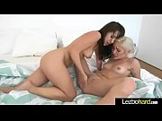 (Jenna Sativa &amp_ Naomi Woods) Hot Sexy Teen Lesbos Busy In Front Of Camera clip-18