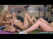 секс трахнул подругу на пикнике