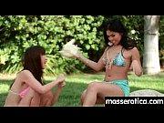 Body to body thaimassage strumpebandshållare