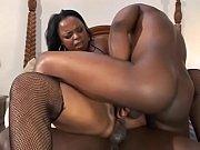 Жостко засаживает хуй девочке в рот порно видео