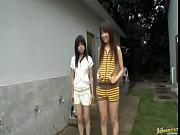 2 japaneses girls pissssss